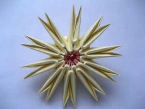 Цветок оригами звезда